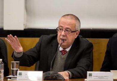 Por discrepancias e imposiciones, renuncia a Hacienda, Carlos Urzúa