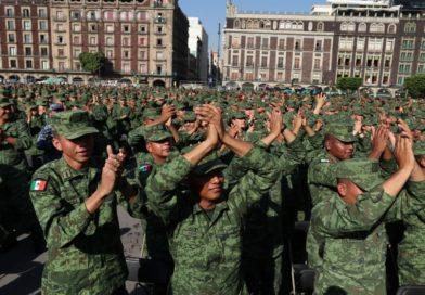 Agradecido AMLO con el Ejército por dar la espalda al golpismo y la traición