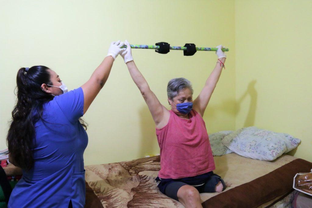 Ofrece Escobedo sesiones de fisioterapia a domicilio en..